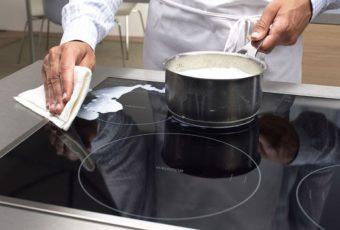 Как почистить керамическую плиту от нагара