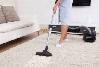 Как и чем почистить палас от грязи, запаха и пятен