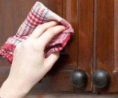 Как отмыть кухонные шкафы от жира народными средствами