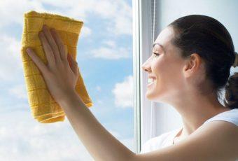 Как помыть пластиковое окно без разводов