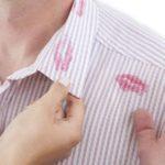 Пятна от губной помады на одежде