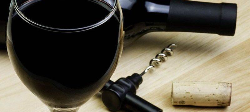 Как хранить открытое вино в бутылке дома