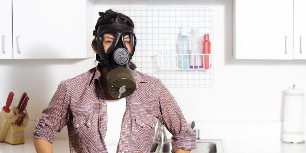 Как устранить запах гари в квартире