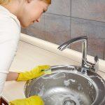 Как устранить неприятный запах из раковины на кухне?