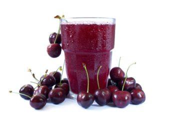 Как отстирать вишневый сок с одежды