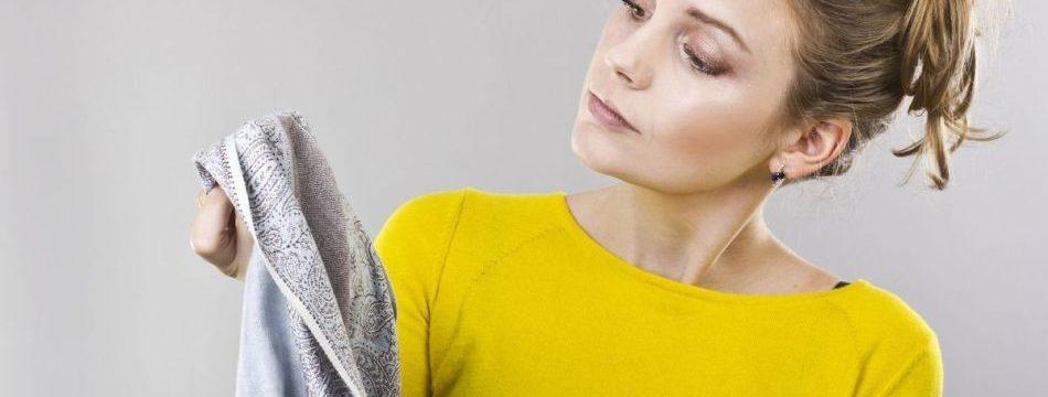Как просто отстирать краску для волос с одежды