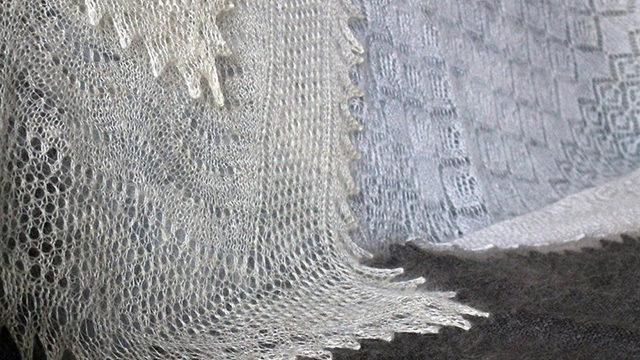 Как постирать пуховый платок дома: советы и рекомендации