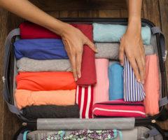 13 интересных способа, как сложить футболку в чемодан, чтобы не помялась