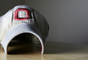 Эффективный уход за бейсболкой, чтобы она не потеряла форму и цвет
