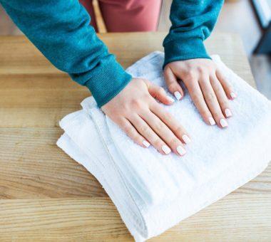 Как легко отбелить кухонные полотенца без кипячения