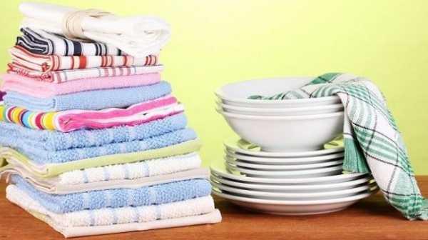 Кухонные полотенца и тарелки