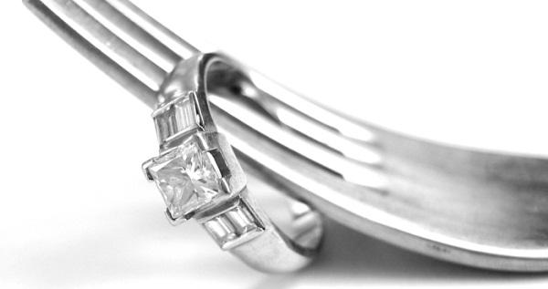 Самые эффективные способы очищения серебра от черноты в домашних условиях