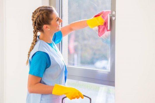 Протираем окна
