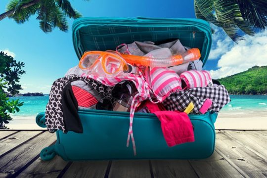 Полный чемодан вещей