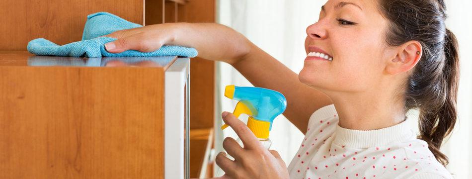 7 эффективных средств для уборки пыли на мебели, чтобы больше не садилась