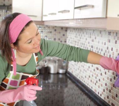 Как отмыть кухонный гарнитур от жира в 2 минуты — 10 проверенных способов
