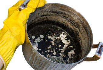 Быстро и легко очищаем кастрюлю от пригоревшего варенья