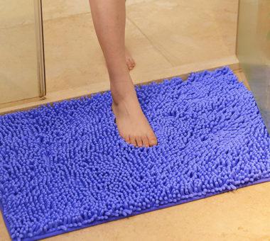 Можно ли стирать коврик для ванной в стиральной машинке?