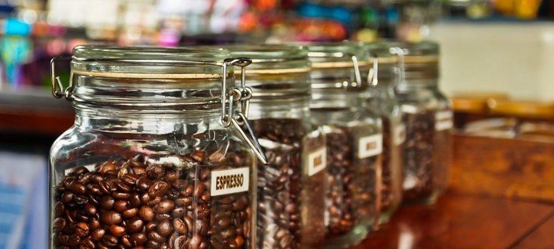 В чем и как правильно хранить кофе в зернах в домашних условиях