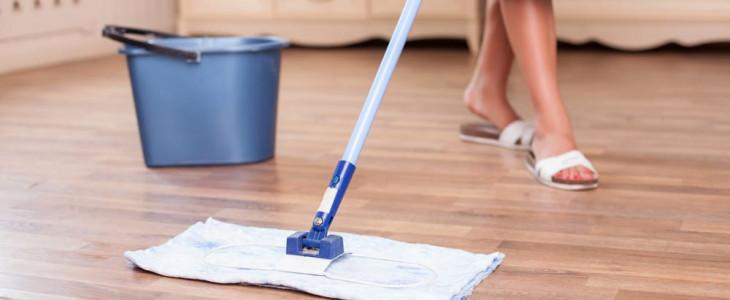Как и чем отмыть ламинат, чтобы не было разводов и чтобы он блестел
