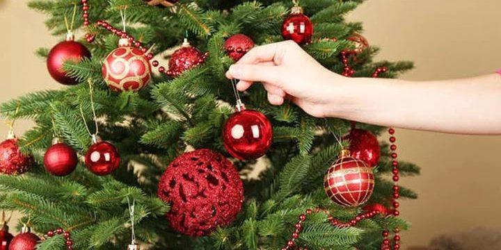 Как красиво украсить елку на Новый год 2019: фото идеи, какие цвета использовать
