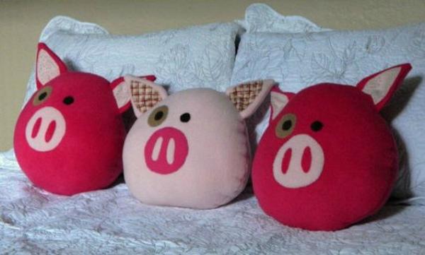 Подушки-свинки