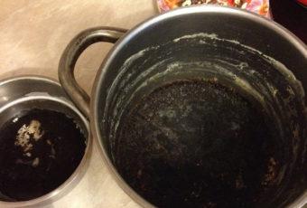 Как отмыть пригоревшую кастрюлю из алюминия в зависимости от степени нагара