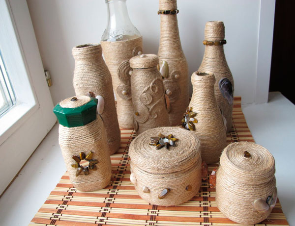 Собственноручный декор бутылок нитями