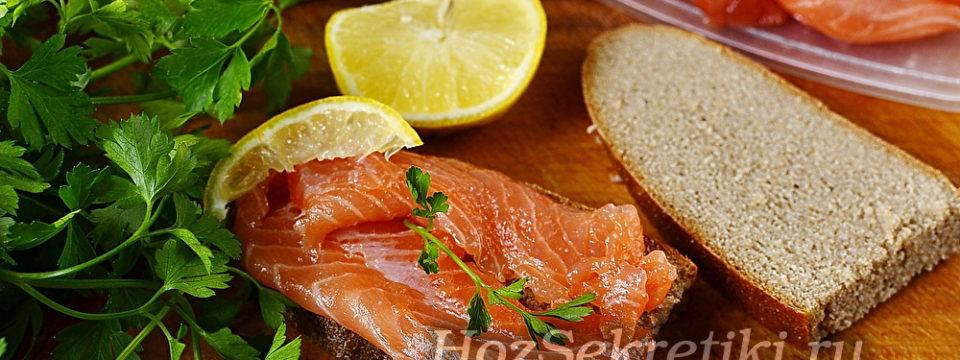 Соленые хребты красной рыбы — вкусное и недорогое лакомство