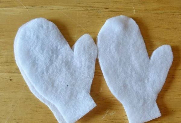 На бумаге рисуем рукавицу