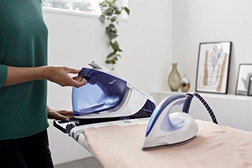 Бытовой парогенератор для глажки белья и уборки дома