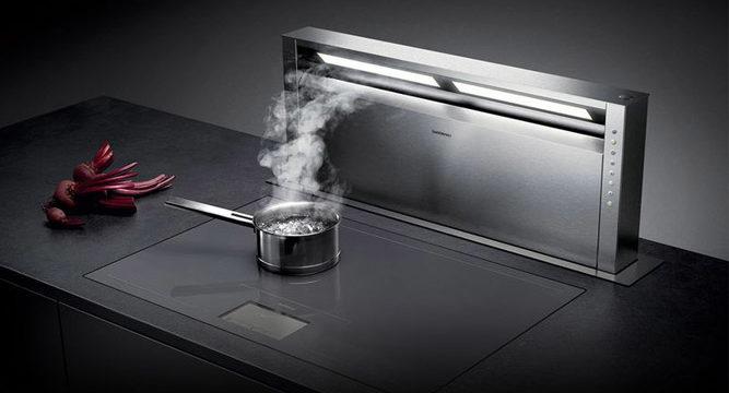 Какая вытяжка на кухню с отводом в вентиляцию лучше: советы специалистов