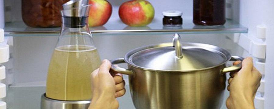 Можно ли ставить горячее в холодильник или нельзя: что произойдет