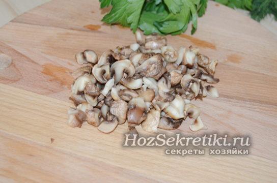 нарезать грибы для салата