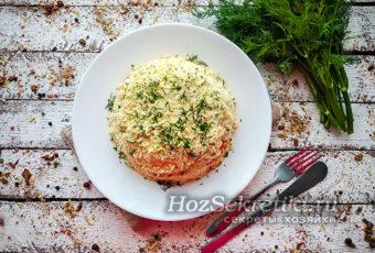 """Салат """"Мимоза"""": рецепт с правильной последовательностью слоев"""
