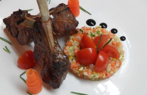 Каре ягненка с овощным тар-таром