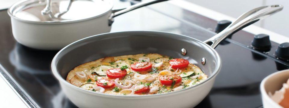Сковорода с керамическим покрытием: как выбрать, преимущества и недостатки