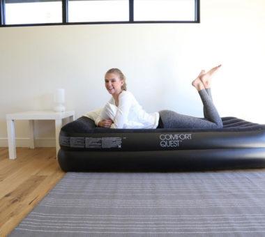 Надувной матрас: как правильно сдувать насосом и без