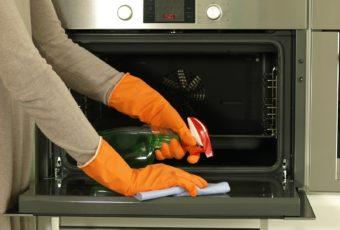 Как очистить духовку от застарелых загрязнений и нагара