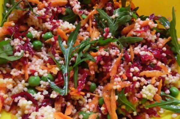 Один из простых крупяных салатов