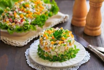 8 слоеных салатов на Новый год 2019