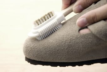 Как пользоваться щеткой для замши и нубука