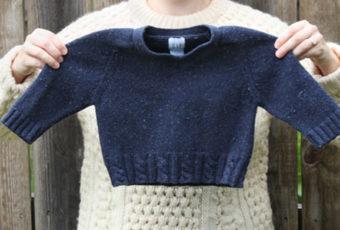 Как растянуть шерстяной свитер, который сел после стирки и вернуть ему прежний размер