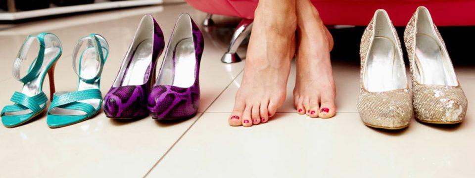 Эффективные методы растяжки обуви из разных материалов в домашних условиях: народные средства и химические растяжители