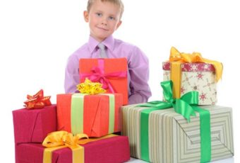 Что подарить мальчикам в школе на 23 февраля?