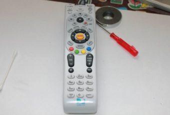 Чистка пульта от телевизора в домашних условиях