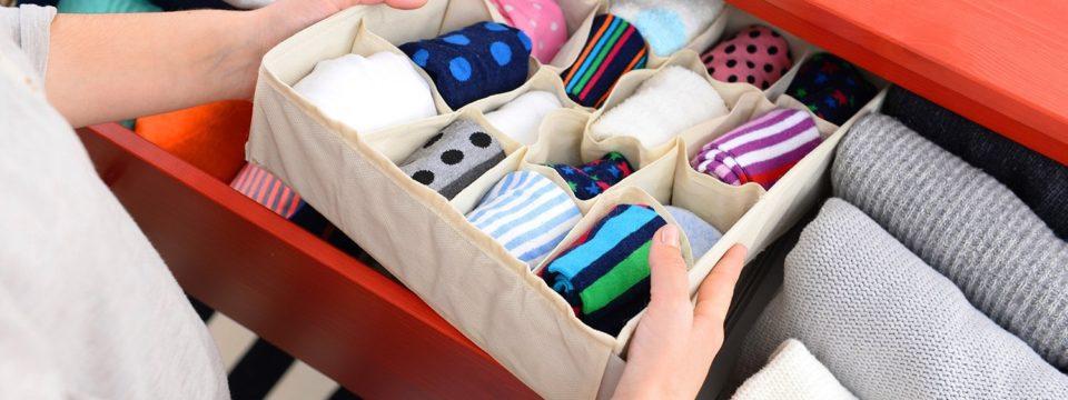 Как правильно складывать носки в шкафу