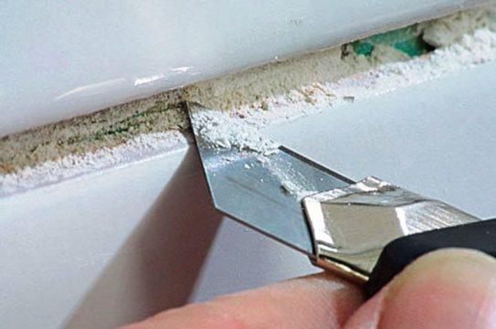убрать старую затирку из швов плитки