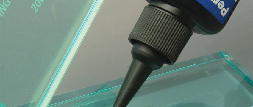 Чем и как склеить стекло в домашних условиях