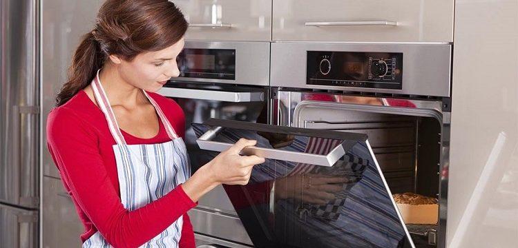 Какую выбрать очистку духовых шкафов: каталитическую или гидролизную